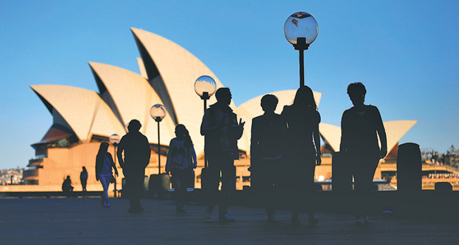 10 reasons of choosing the right Australian Immigration Agent